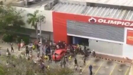 En video: vándalos saquearon las Olímpicas de Barranquilla y Soledad